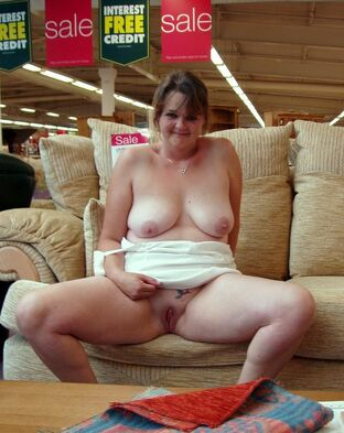 Fatty mature wifey with face  by gravy and naked at shop..