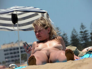 Huge-chested gfs bare on the beach